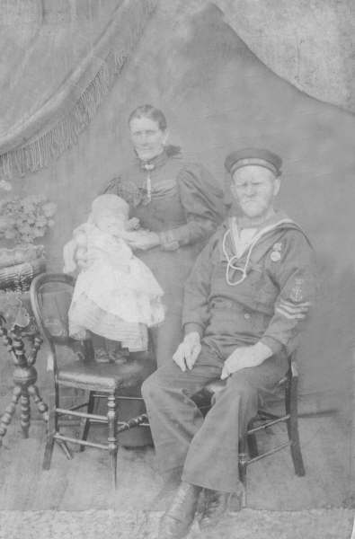 Coastguard and family 1895